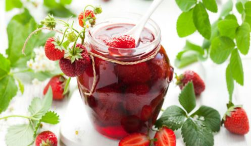 Густое варенье из клубники с целыми ягодами