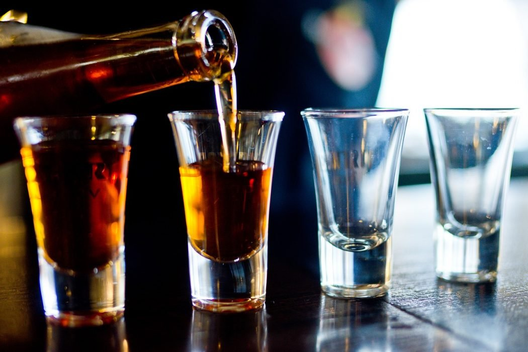 Как избавиться от икоты быстро в домашних условиях после алкоголя