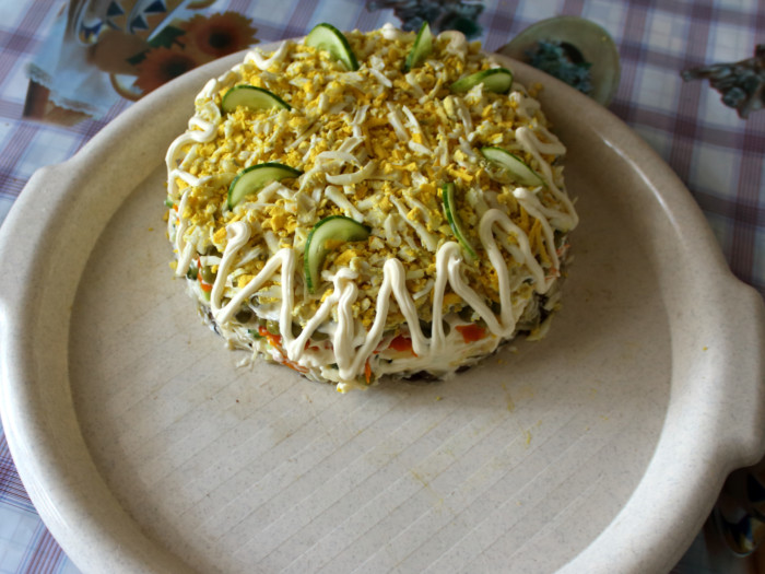 Рецепт салата с жареными шампиньонами и сыром