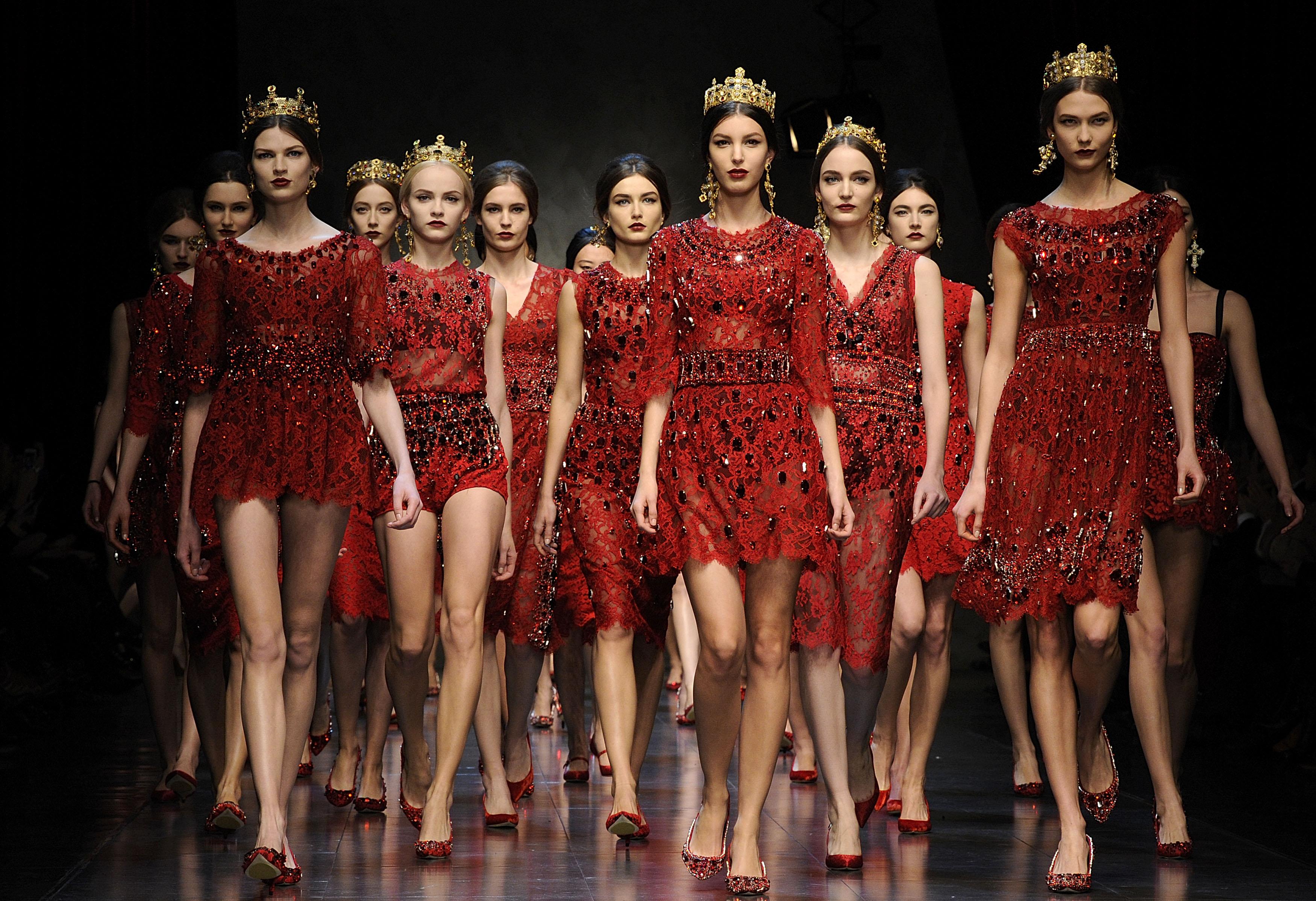 Мода весна 2018 - основные тенденции одежды, фото