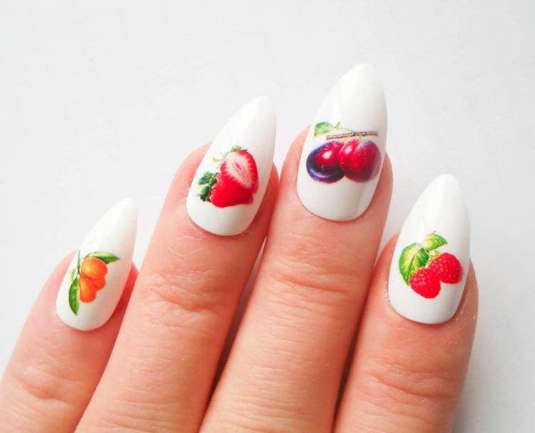 маникюр на лето с фруктами