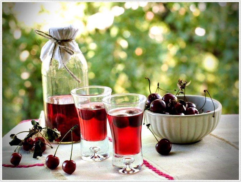 Наливка из вишни в домашних условиях: рецепт на водке и без водки, с сахаром, без сахара