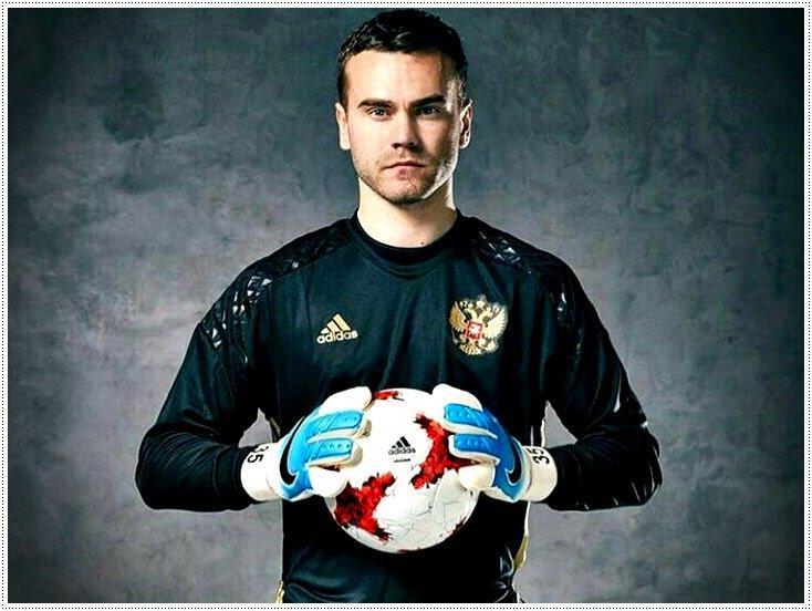 вратарь сборной России по футболу 2018