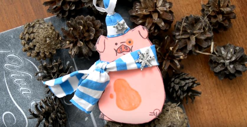Новогодние поделки на Новый год 2019 своими руками - символ года (свинья)
