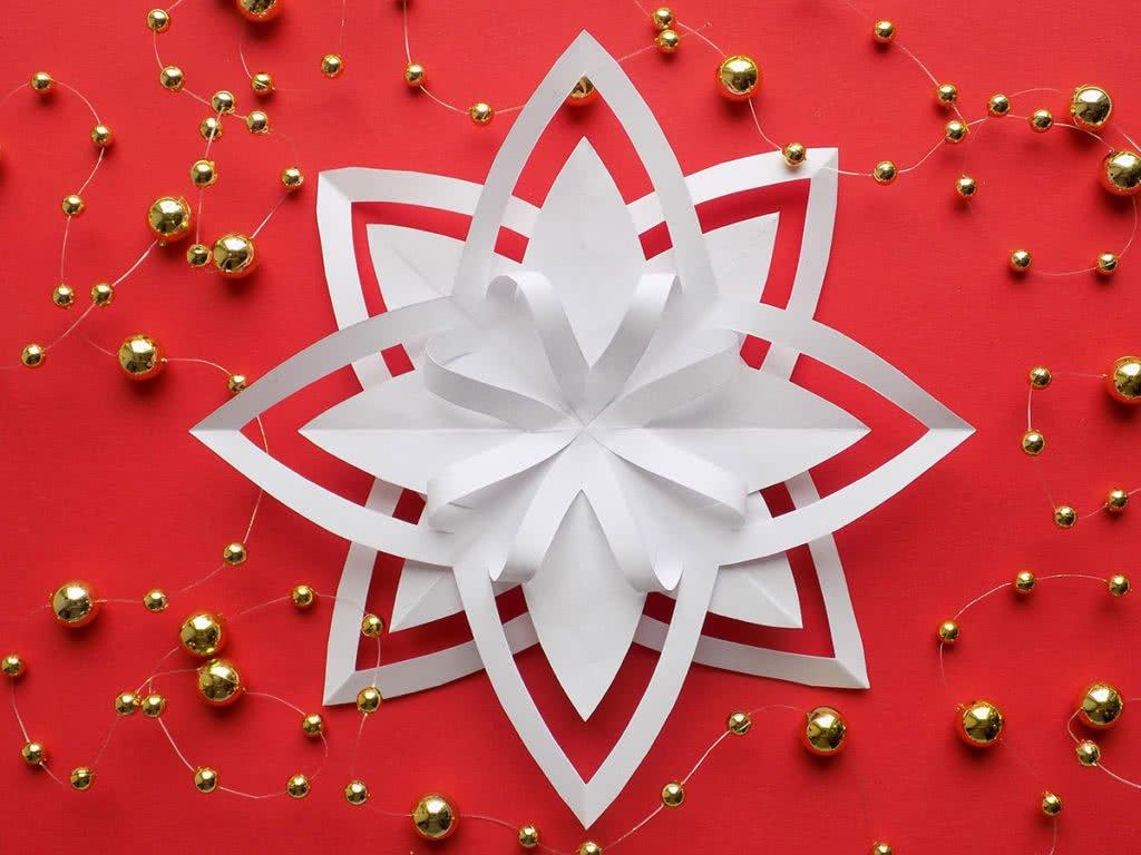 Как сделать оригинальные снежинки из бумаги на Новый год (фото)