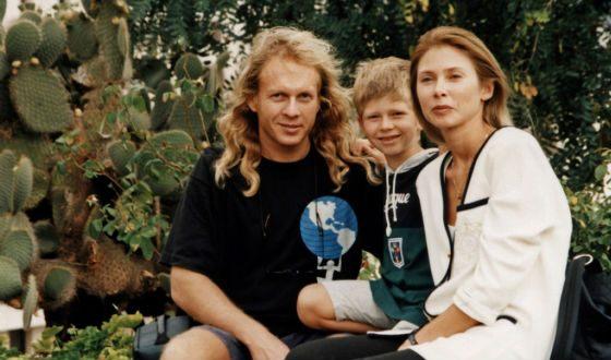 Крис Кельмы с женой