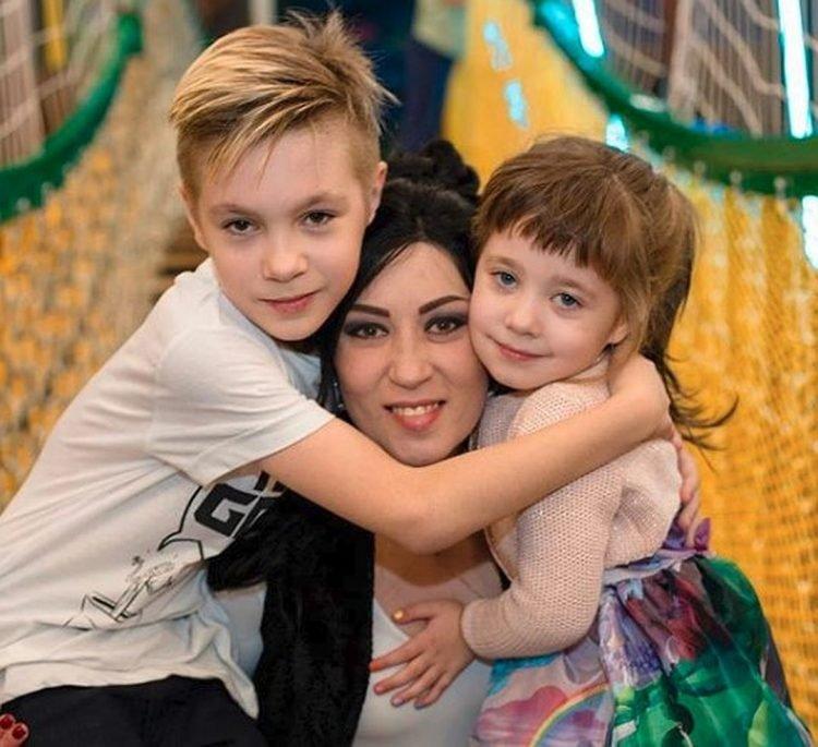 Дарья Воскобаева и дети