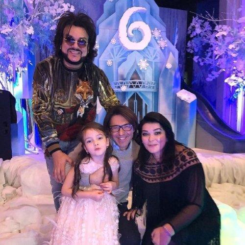 Наталья Ефремова с Киркоровым и дочерью