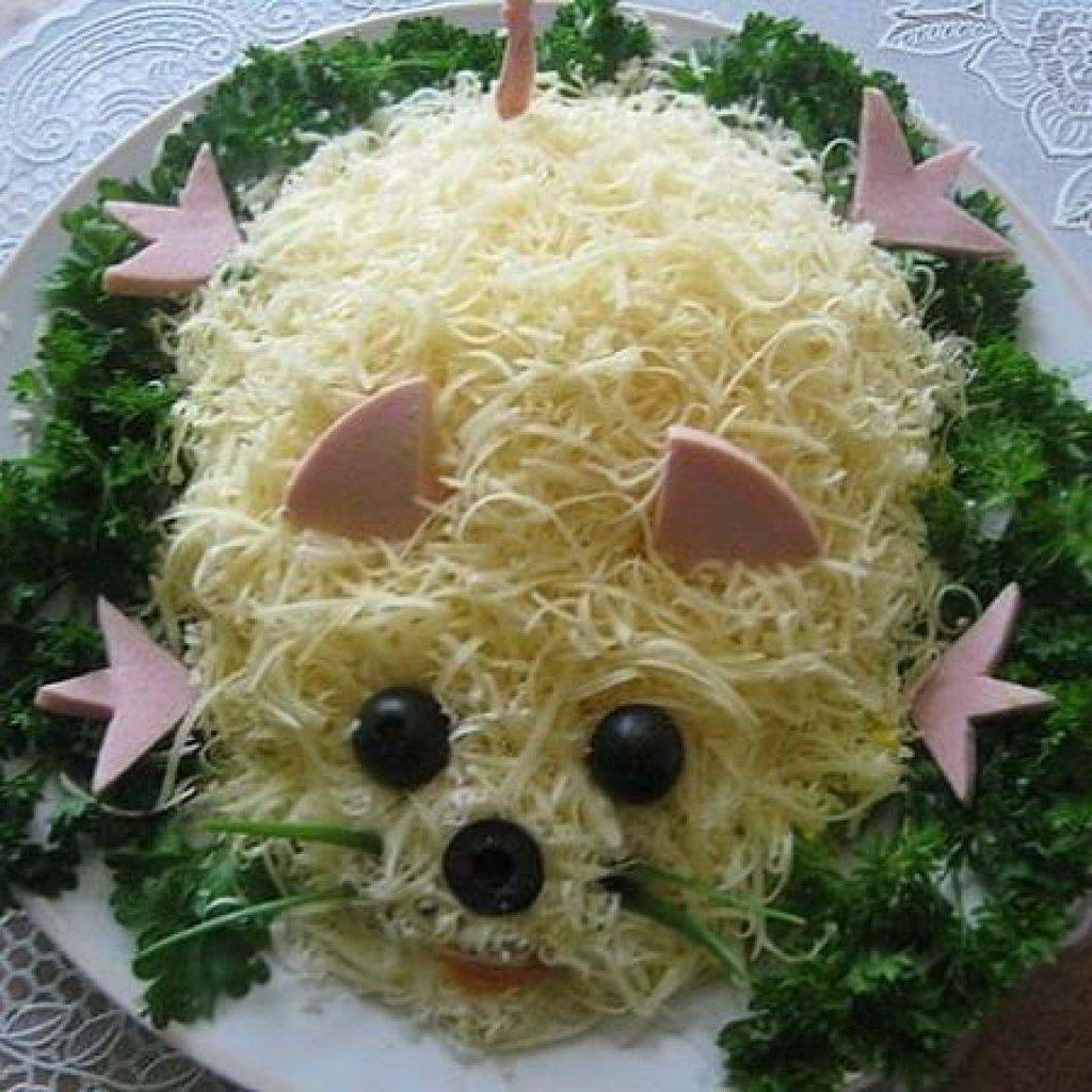 Праздничный салат на Новый год 2020 в виде крысы