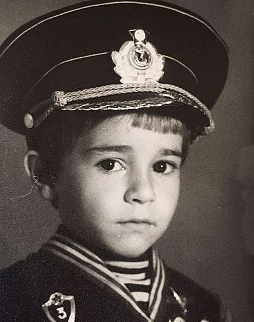 Александр Ратников: жизнь актера, смена фамилии и супруга