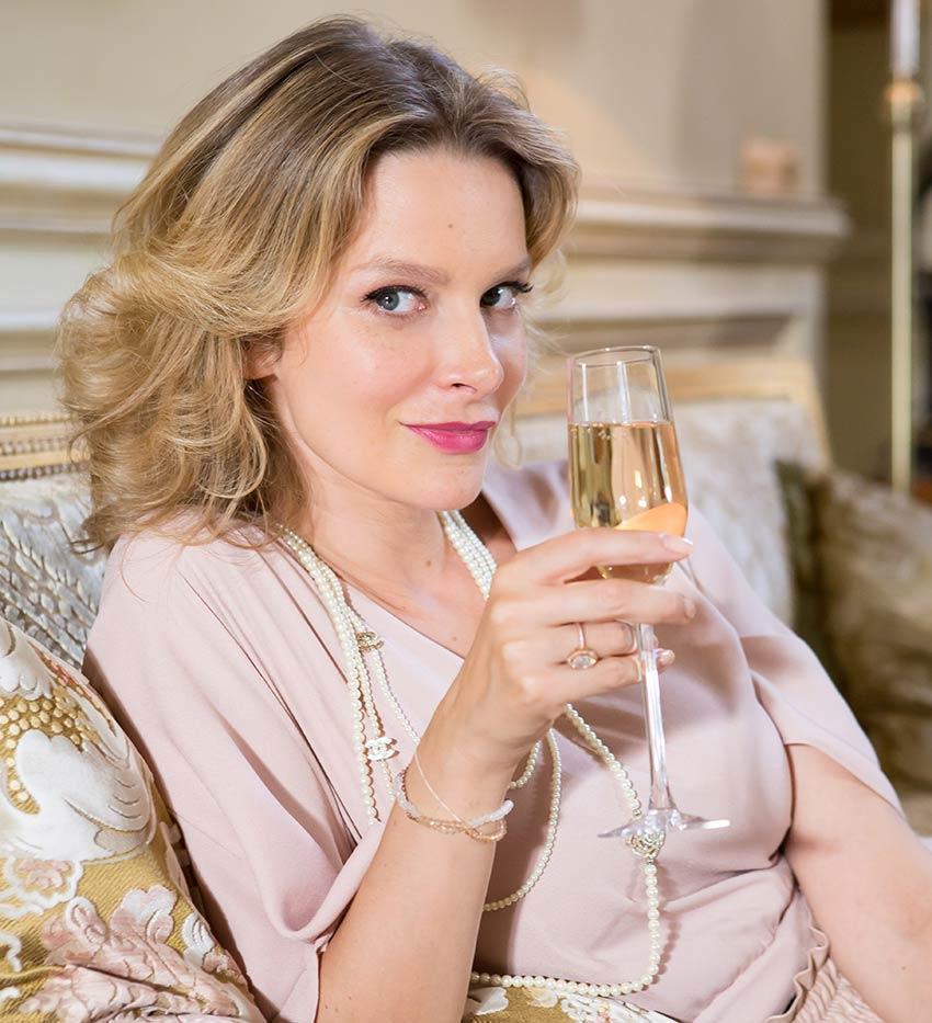 Александра Флоринская: как она живёт, почему развелась с известным актёром, и кто её новый супруг?