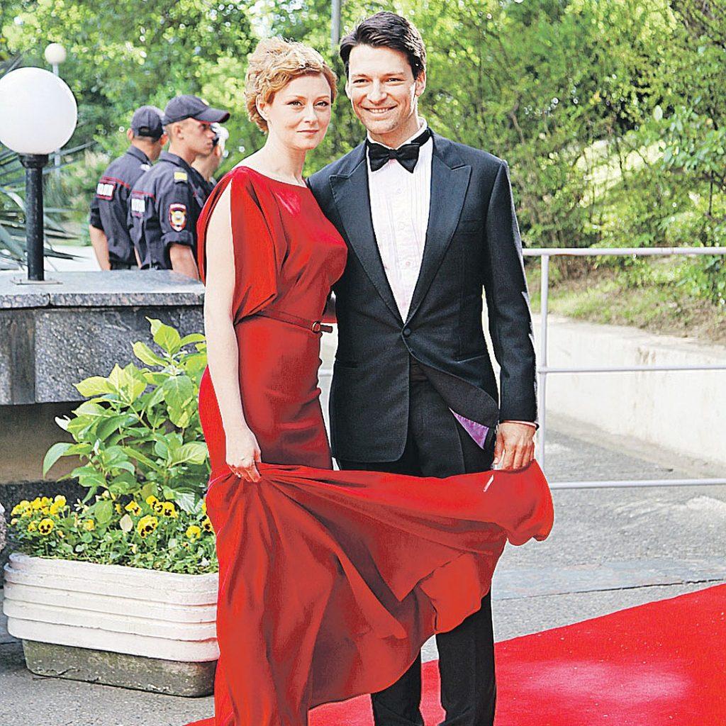 Как живет Данил Страхов сейчас, кто жена знаменитого актёра