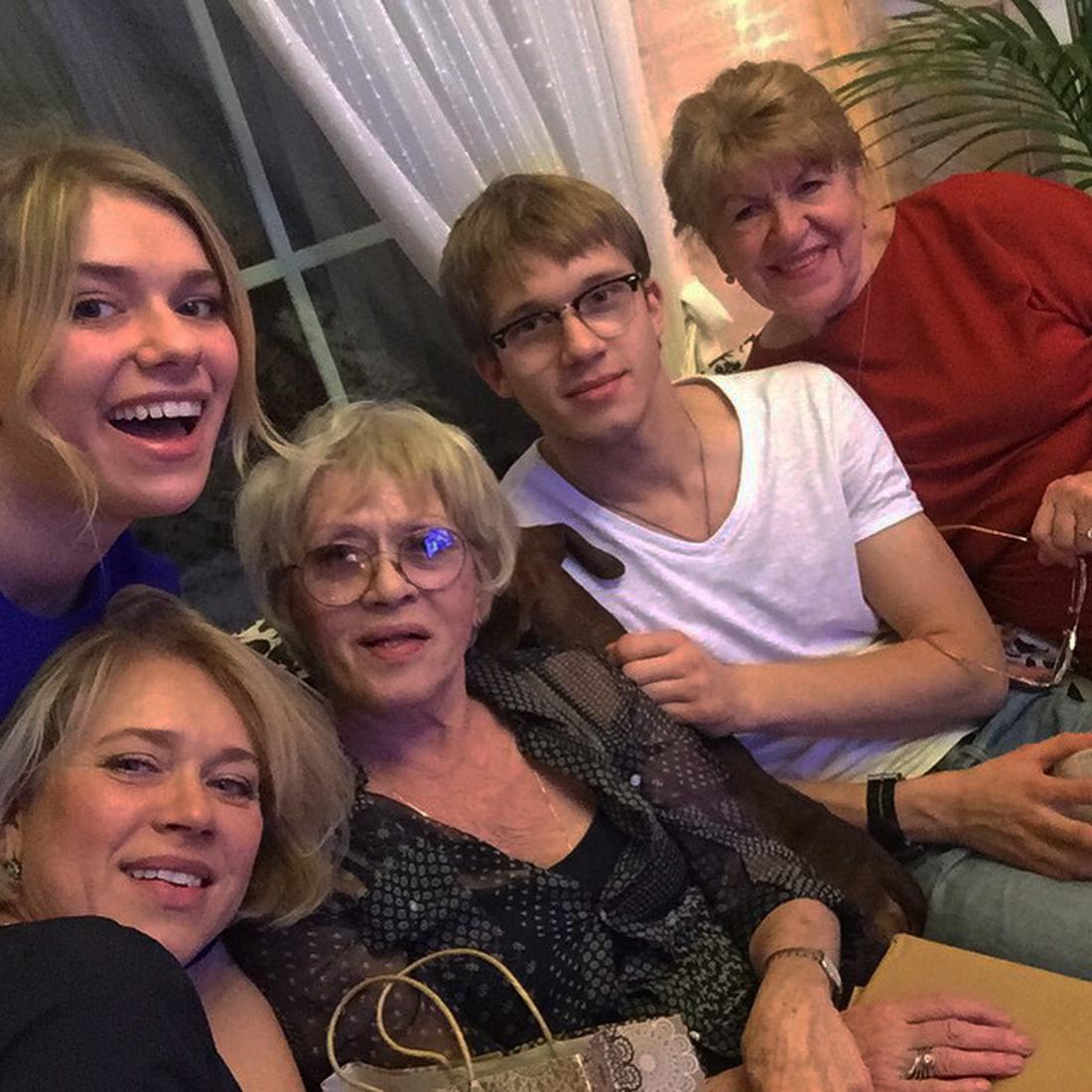 Семья актрисы Алисы Бруновой