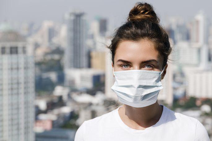 Медицинскую маску специалисты рекомендуют носить около 2-х часов.