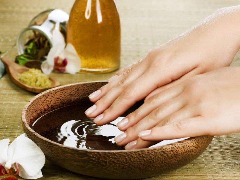 Восстановление ногтей при помощи оливкового масла