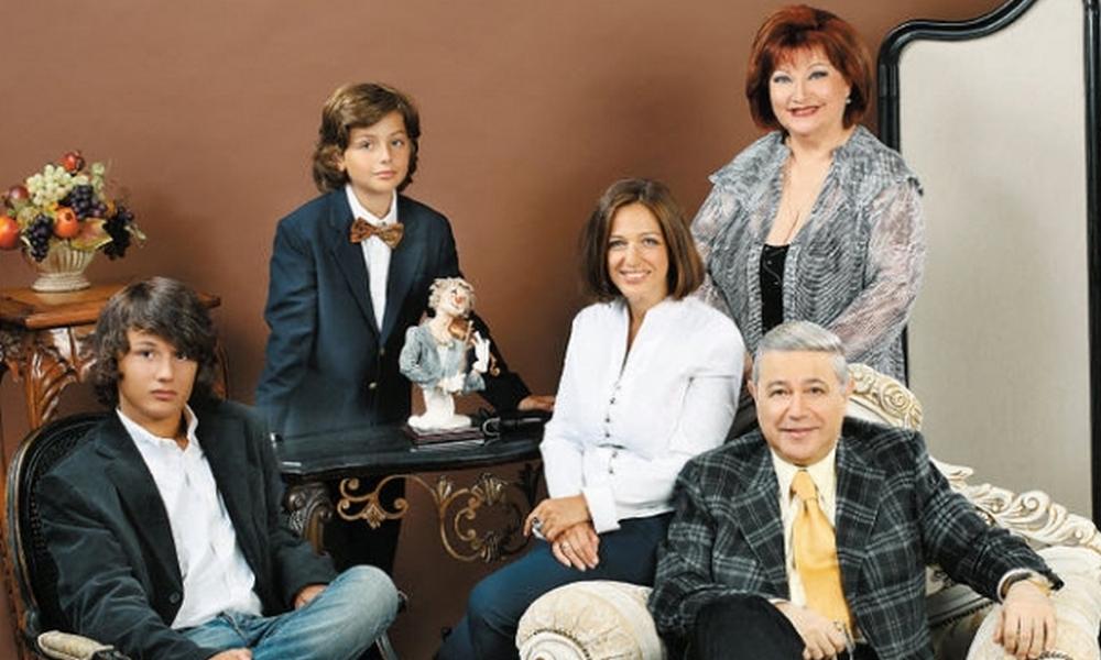 семья Петросяна и Степаненко