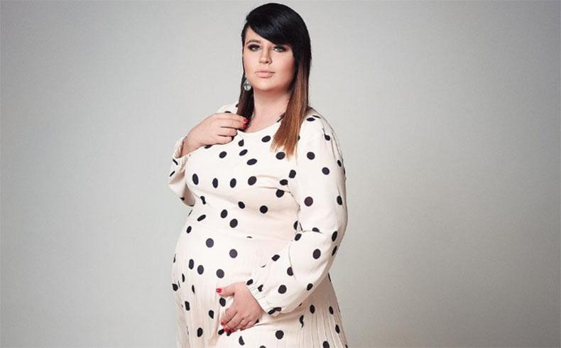 саша черно стала мамой