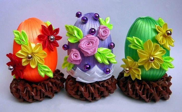 Пасхальные яйца своими руками из атласных лент канзаши | Пасхальные  поделки, Рождественские поделки своими руками, Идеи для поделок