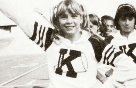Школьное фото Рене Зеллвегер: в команде чирлидеров