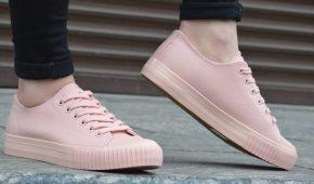 Миниатюра к статье Модные женские кроссовки в 2018 году (фото)